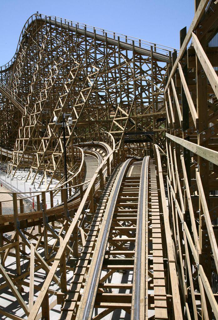 Six Flags Magic Mountain Sneak Peek Of 'Terminator Salvation: The Ride'