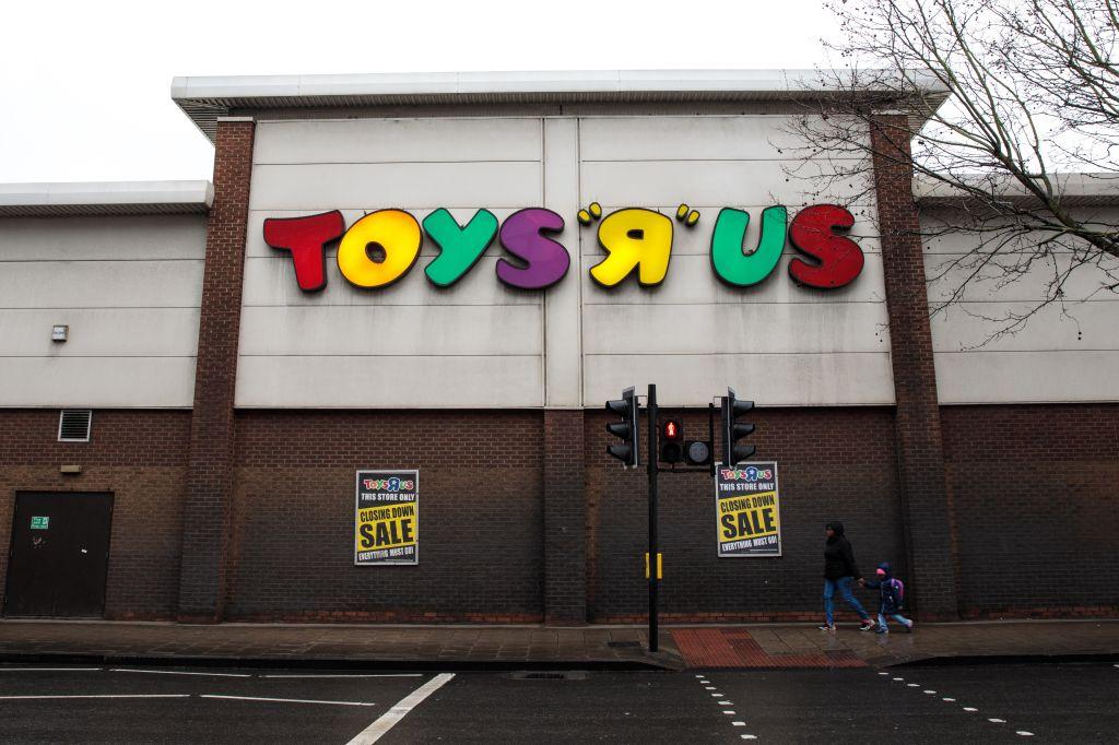 Beleaguered Toys R Us Battles For Survival