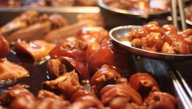 Stewed pig knuckles at the market
