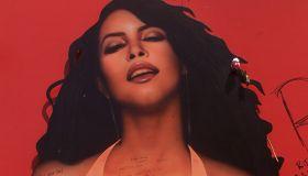 034992.ME.0827.aaliyah4.AR Aaliyah Haughton, 22 year old R&B star and rising actress was killed alon
