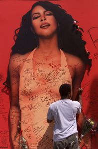 034992.ME.0827.aaliyah4.AR Aaliyah Haughton, 22 year old R&B star and rising actress was killed alon