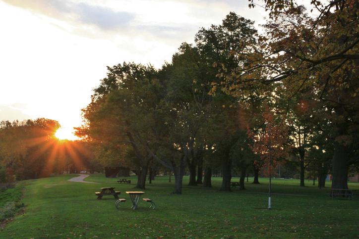 Sunrise over the Scenic park, Edgewater Metroparks, Cleveland, Ohio, USA