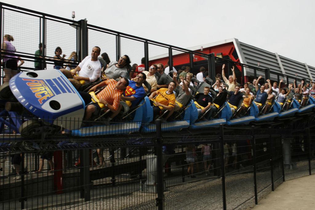 Millennium Force, a ride at Cedar Point in Sandusky, Ohio, k