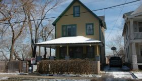 a street shot of the 'A Christmas Story' house