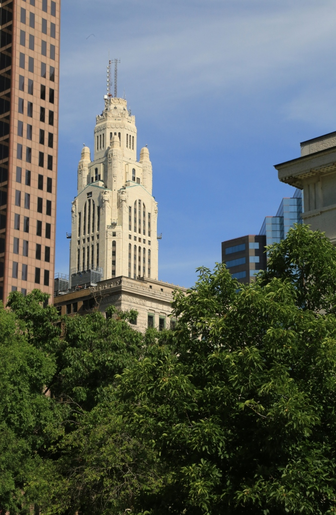 LeVeque Tower in the distant sky, Columbus, Ohio, Franklin County, USA