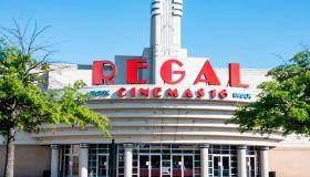 Front entrance to Regal Cinemas 16
