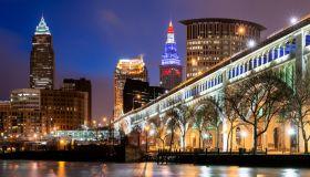 Skyline, Veterans Memorial Bridge, Cleveland, Ohio, America