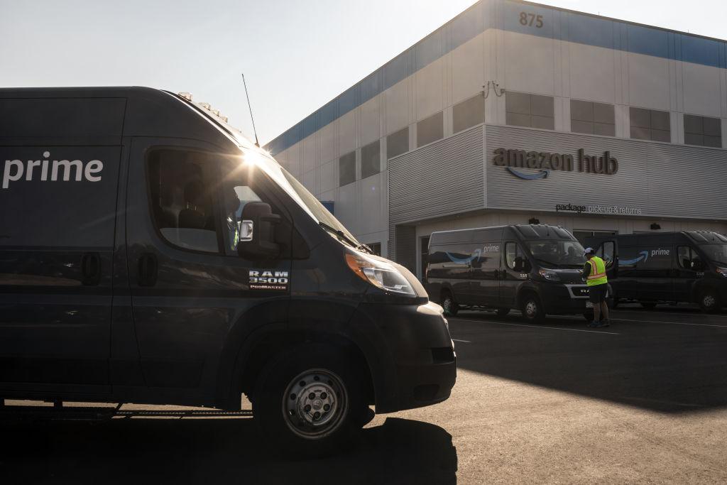 Amazon Contractors Rage Against Machines: 'Treated Like Robots'