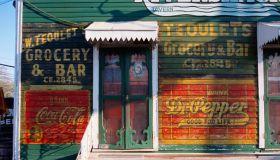 Facade of the Rivershack Tavern of Jefferson Parish